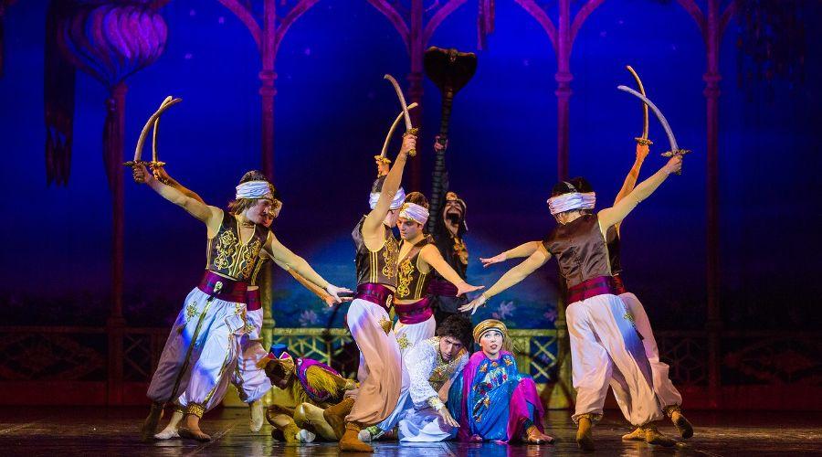Спектакль «Волшебная лампа Аладдина» © Фото из группы «Краснодарская филармония» «ВКонтакте» vk.com/kubanfilarmoniya