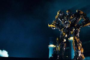 Кадр из фильма «Трансформеры», реж. Майкл Бэй, 2007 год ©Фото с сайта kinopoisk.ru