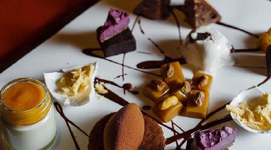 Ассорти из индийских десертов © Фото со страницы Gray Goose Cafe в инстаграме www.instagram.com/gray_goose_cafe