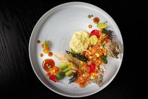 Тартар из лосося в пряном соусе © Фотография предоставлена рестораном D.O.M