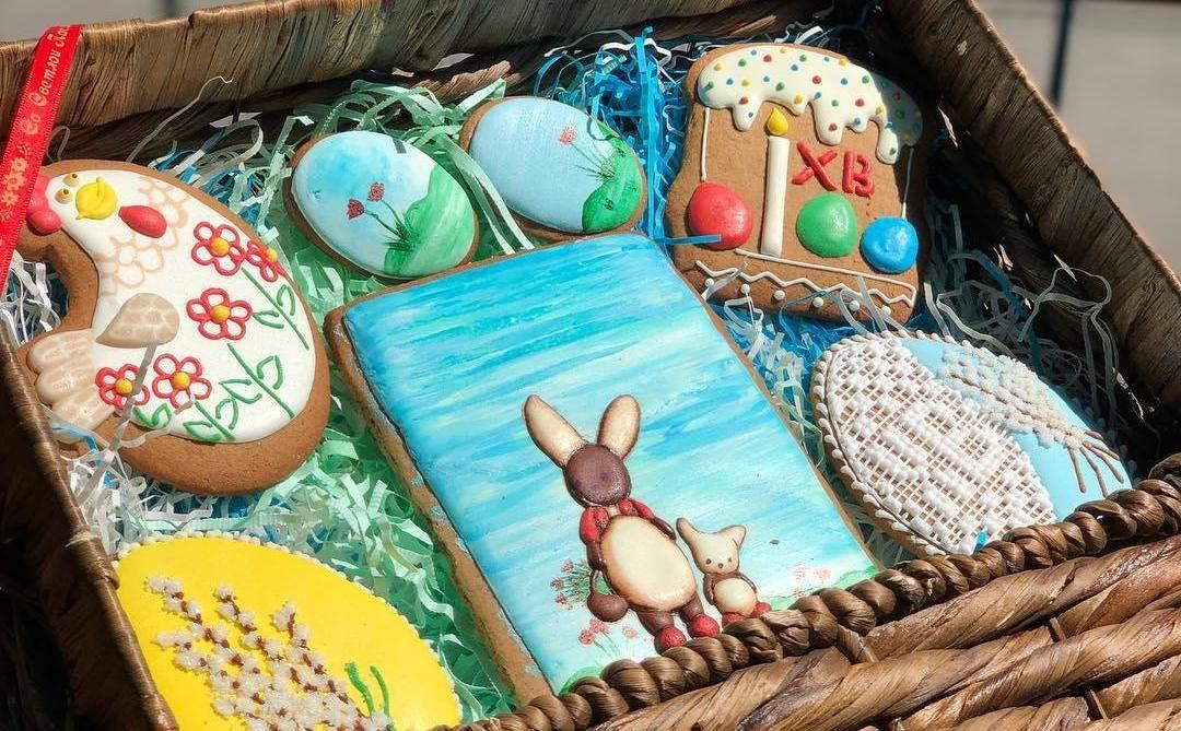 Пасхальные пряники ©Фото со страницы «Дочь кондитера» в инстаграме, www.instagram.com/pastrydaughter