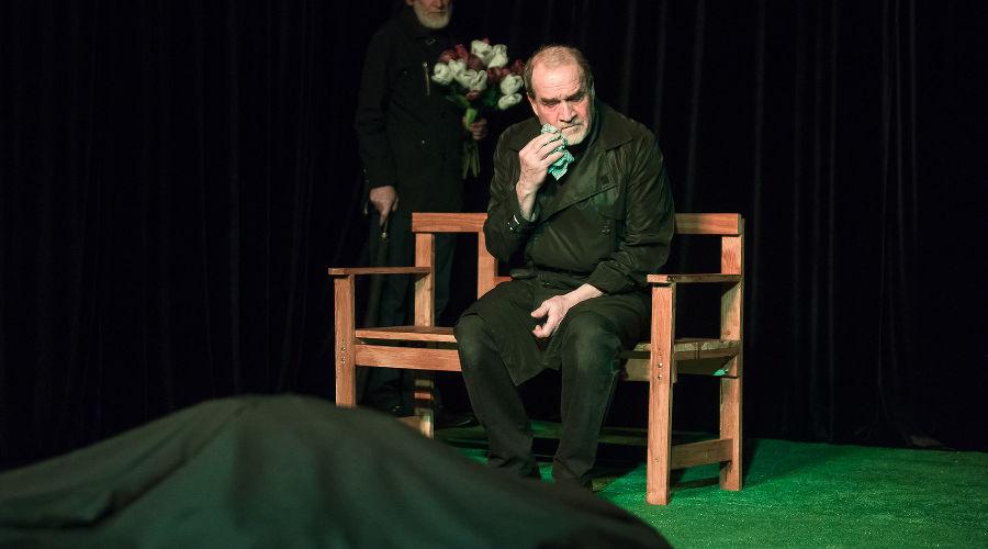 Спектакль «Флоранс» © Фото Елены Синеок, Юга.ру