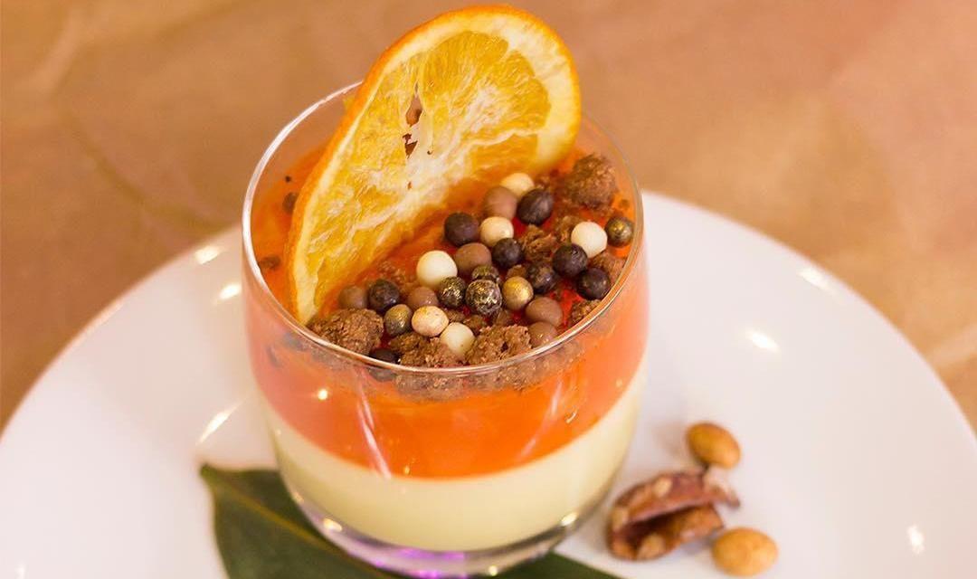 Десерт «Апероль-скитлс» ©Фото со страницы кафе Funky food в инстаграме www.instagram.com/funkyfood_11