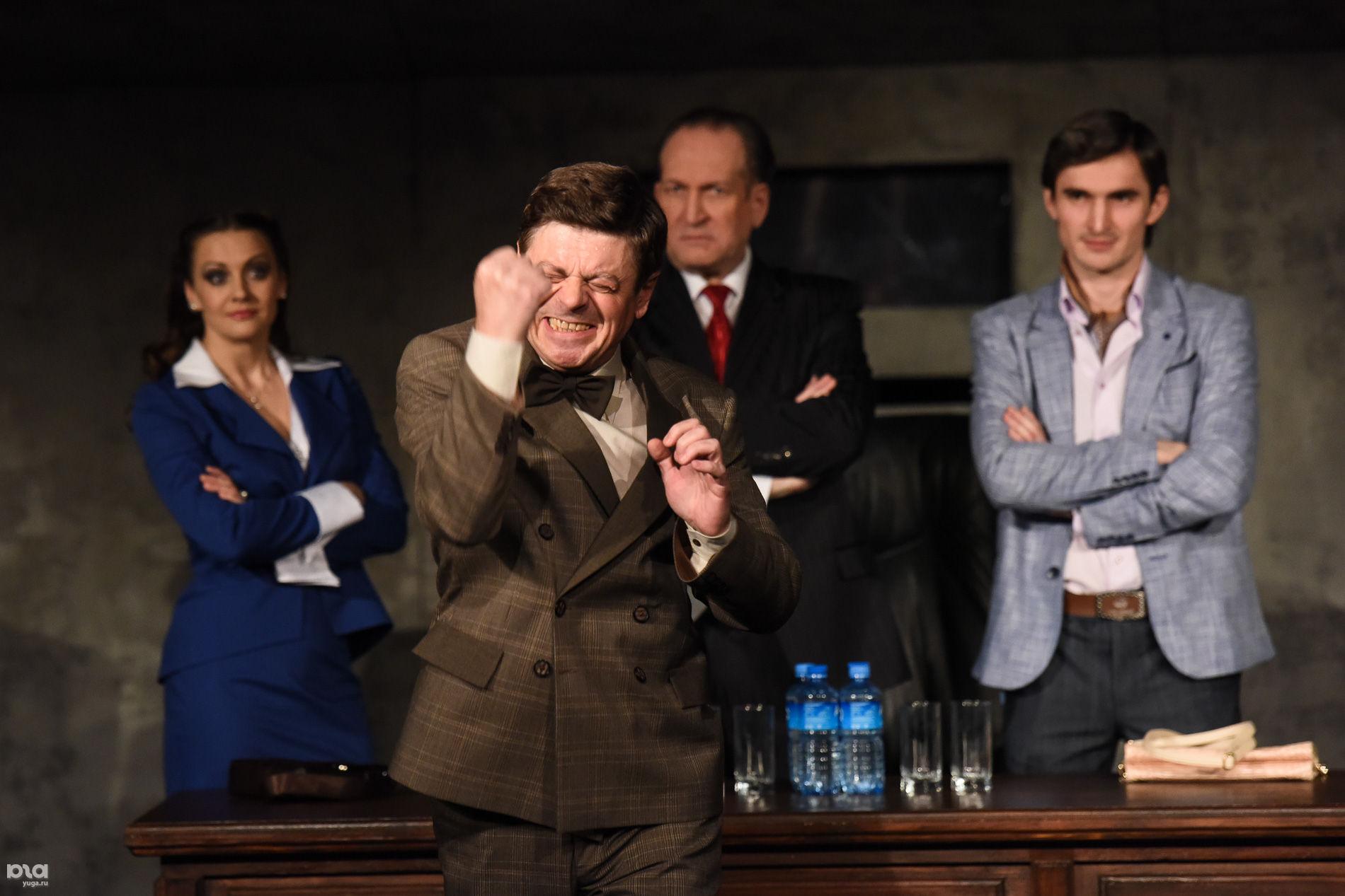 """Премьера спектакля """"Метод Гронхольма"""" в Театре драмы"""
